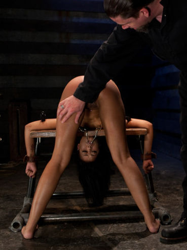 Hanging from the ceiling is what delicious Skin Diamond needs. Just give her insertions and toys.