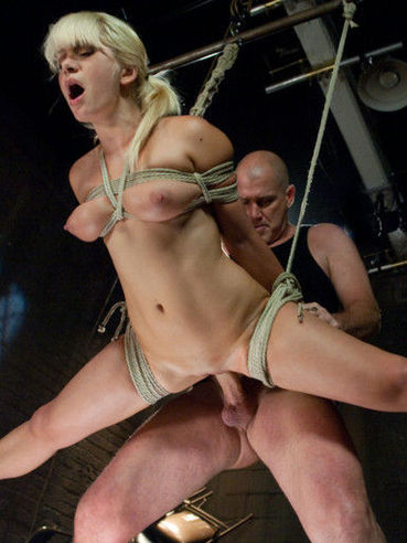 The enchained and bound chick Lea Lexus gets roughly ravished by master