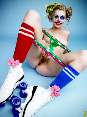 The bizarre gallery with the clown looking chick Lexi Belle showing nudity