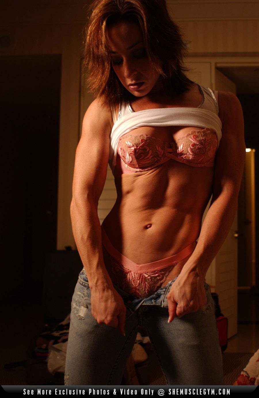 Секс накаченная девушка порно 10 фотография