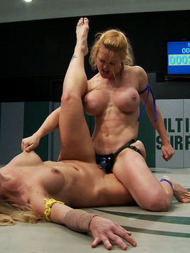 Holly Heart makes blonde Darling moan and get her slit wet during kinky cat fights.