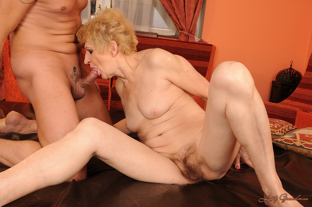 Ebony milfs climaxing with vibrators