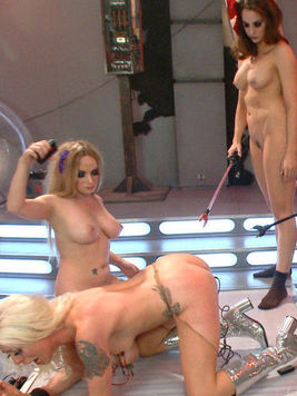 Fetish babe Lorelei Lee gets her body broken in fetish games while licking slits and asses.