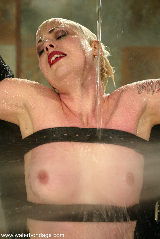 Lorelei Lee Water Bondage