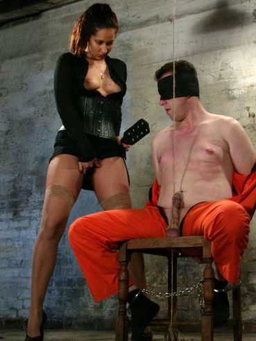Sinfully sexy high heeled latina Isis Love punishes helpless prisoner James