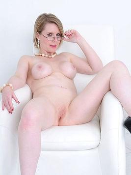 Angela ladysonia