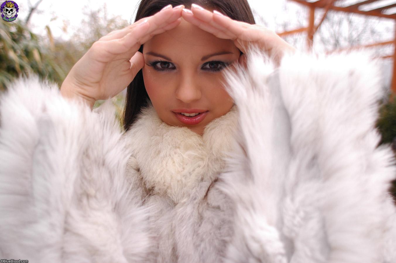 Фото красивых девушек в мехах 10 фотография