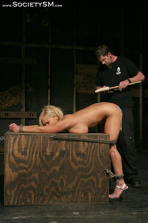 Naked lesbens having sex