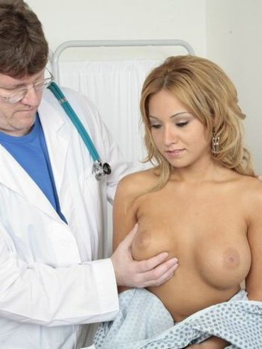 Round boobed patient Jasmine Tame opens her sexy legs and doctor inserts speculum in her pussy
