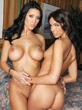 Busty brunette Dylan Ryder punishes holes of skinny young lesbian chick