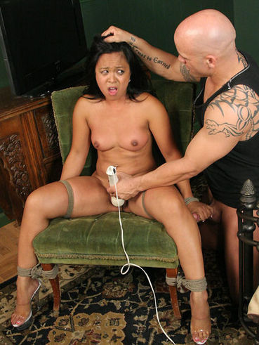 Guy likes pulling his slave's Tasha Lynn mouth and pussy on his hard stick.