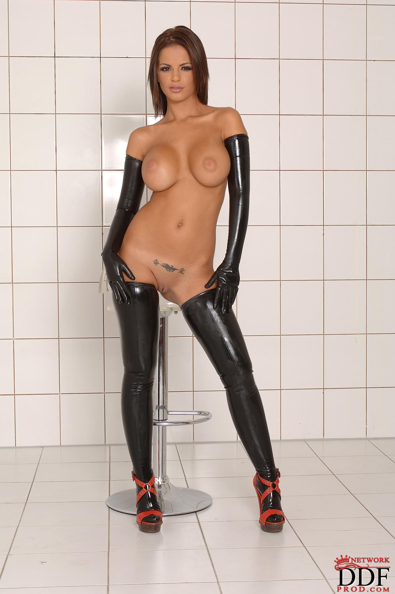 Latex naked hentay picture