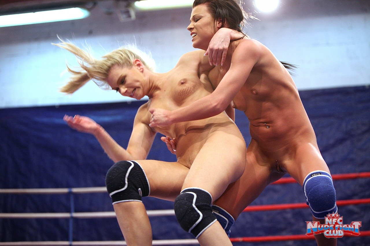 Nude Girls Fighting