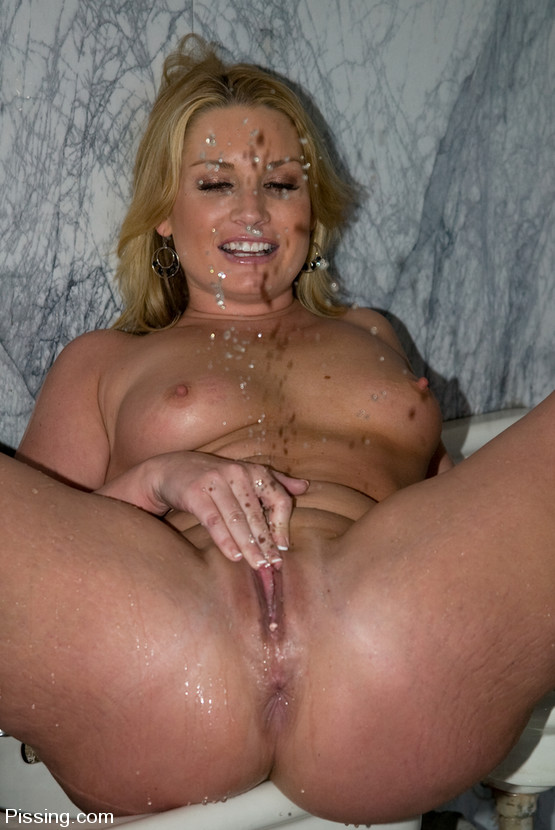 blonde pissing sex