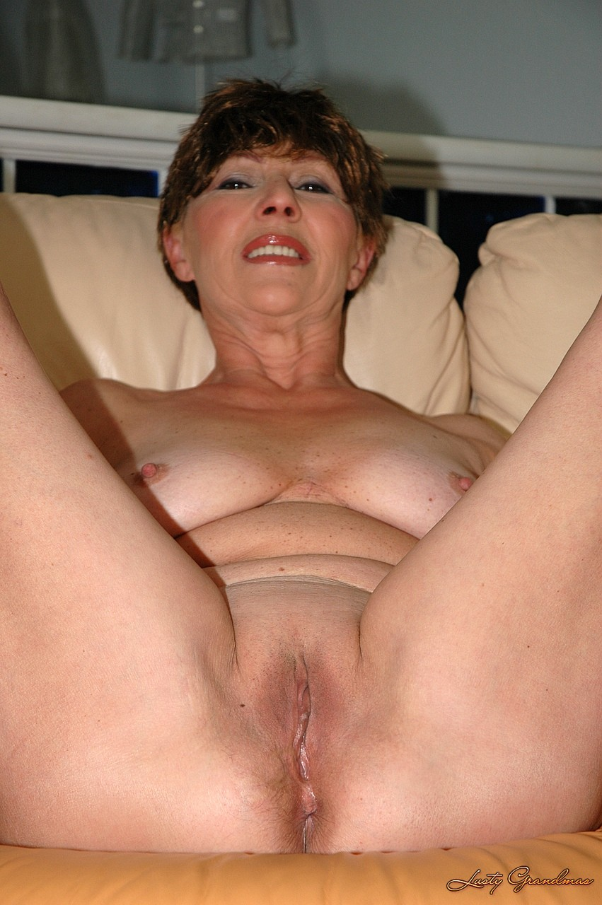 Ewa prices pussy gets fucked hard by big cock 3