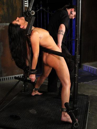 Master uses vibrator to stimulate bare pussy of bound slave lady India Summer