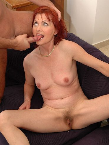 Red-haired mature lady Maxine with hairy snatch gets her fuck hole stuffed