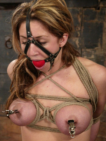 Isabella Soprano gets bound in a way her master wishes and takes a dildo