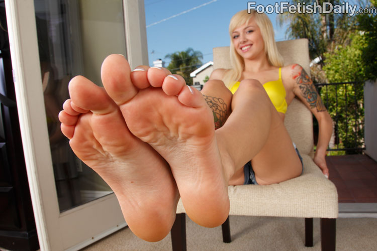 Emma mae foot fetish