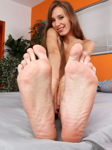 Foot and legs of Aiyana Flora are simply amazing and she is ready for hardcore banging.