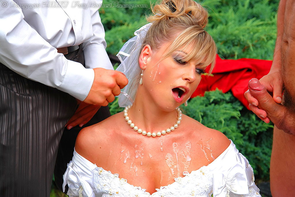 Russian bride pissing clip