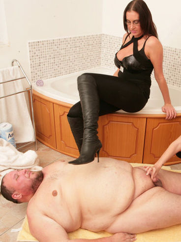 Fat man with tiny dick cums for the fun of Emma Butt and another clothed lady in the bathroom