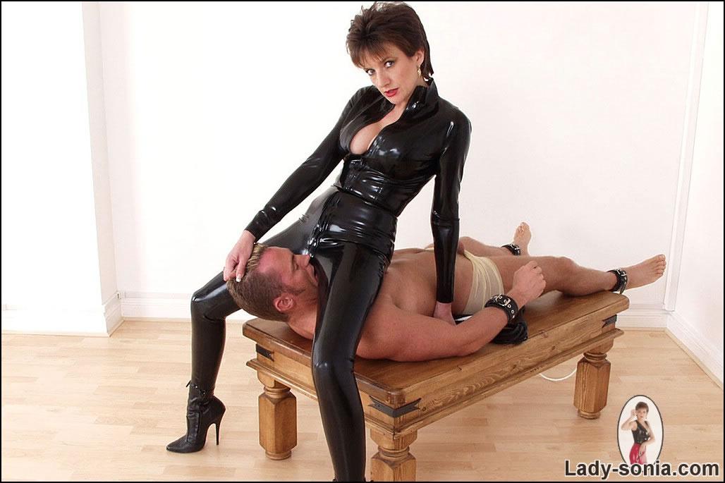 Woman doing man with dildo