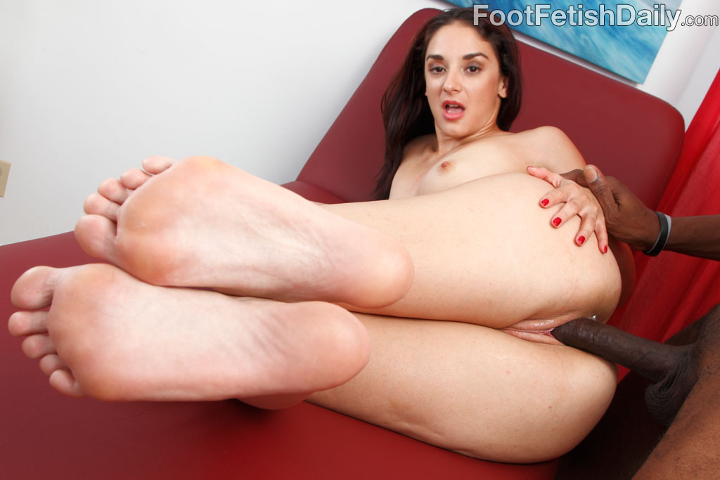 Nothing but wide male foot fetish