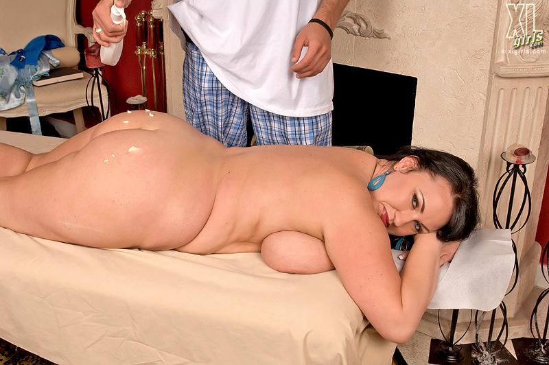 Gemischtrassiger Bruste Fetter Deepthroat