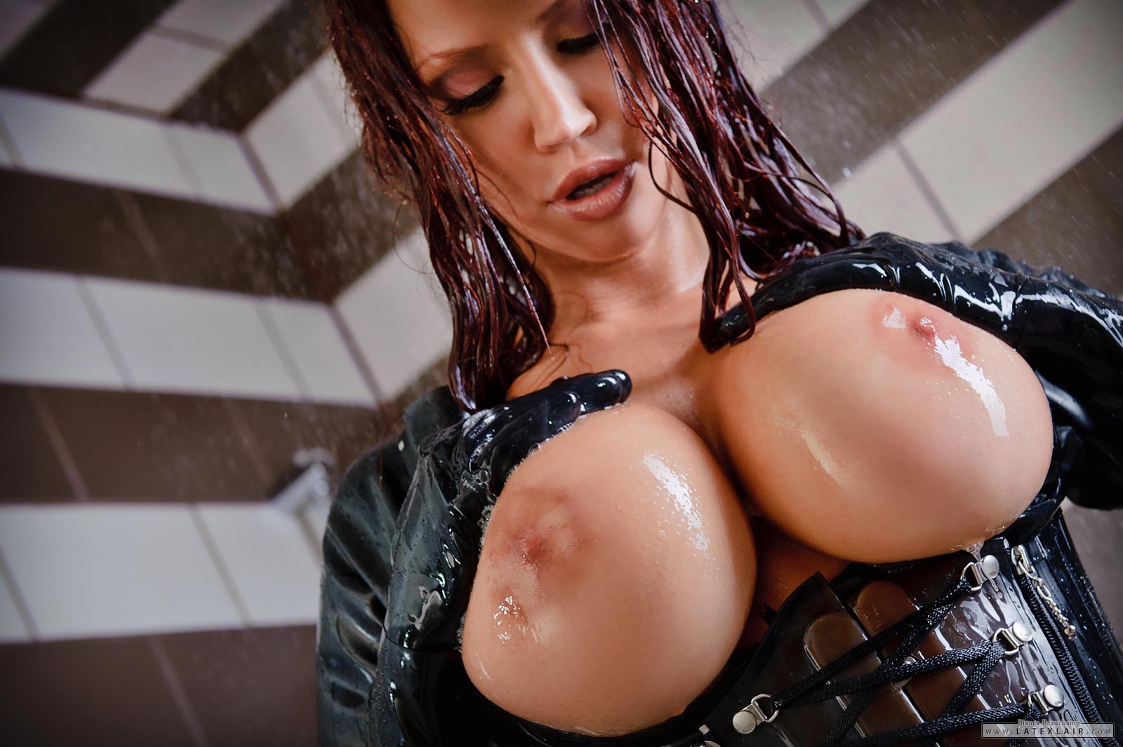 Bianca beauchamp wet and naked