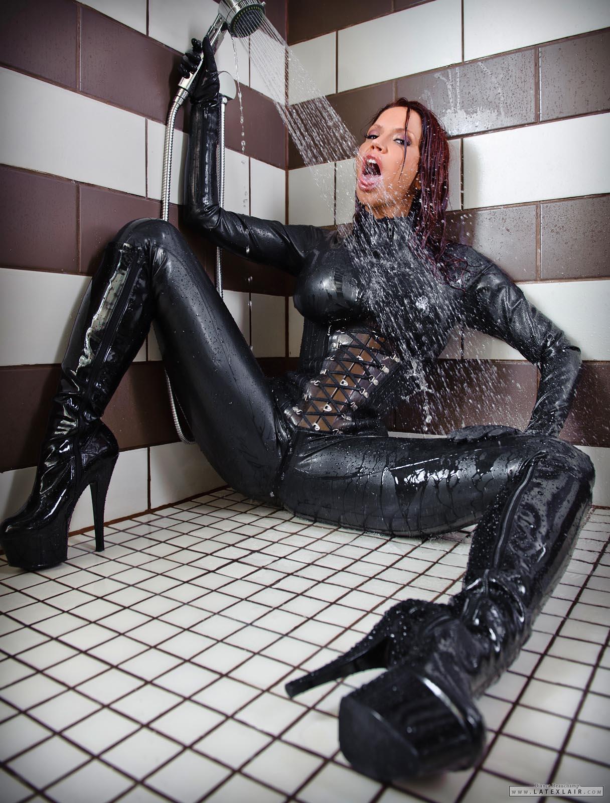 bianca beauchamp wet shower wetlook