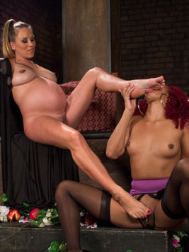 Daisy Ducati gets stimulated and licked up by the pregnant & lactating babe named Bella Wilde.