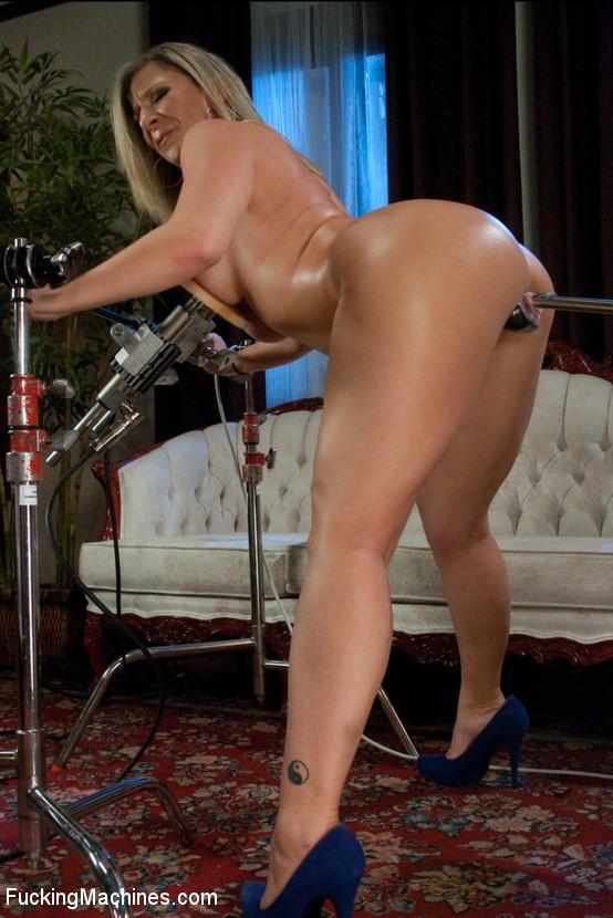 naomi campbell nude photo