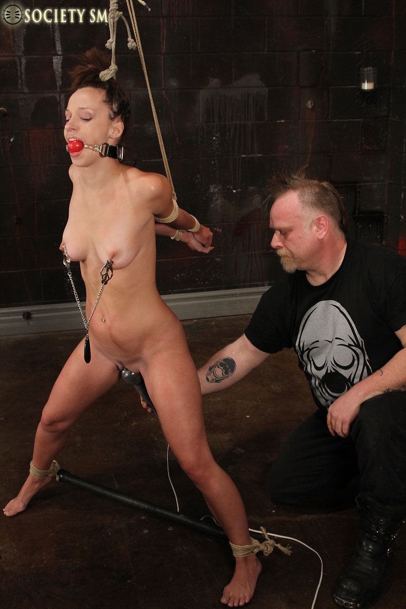 rope bound sexy bodied jada stevens gets her snatch toyed