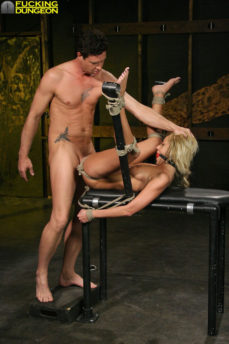 Hardcore bondage porno