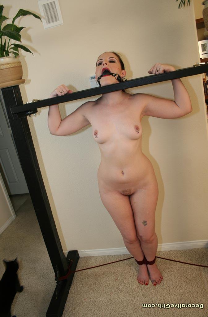 Caroline pierce naked