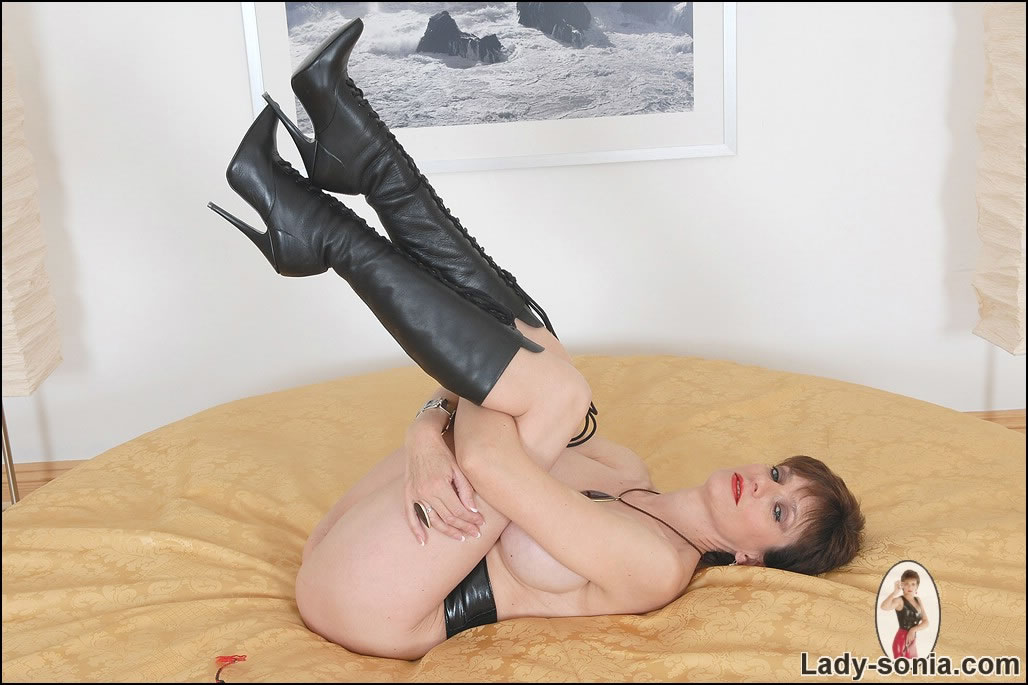 Look for fetish lady