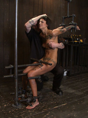 Bonnie Rotten is a pretty tattooed chick who loves being used like a complete whore.