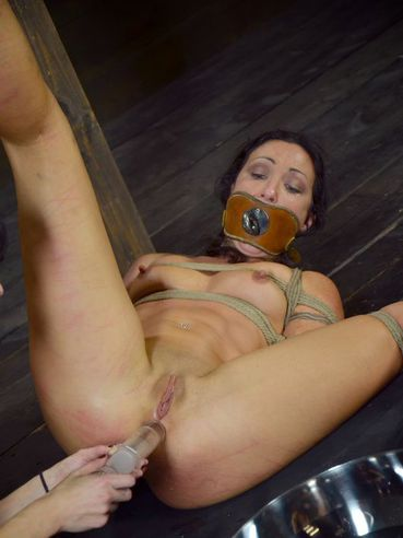 Bizarre sex and suffering is what brunette darling Elise Graves loves the most.