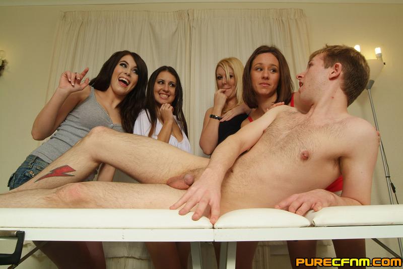 Mangets handjob during massage video