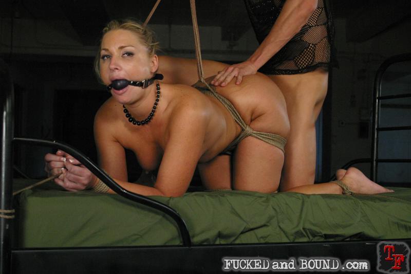 rihanna nude naked ass