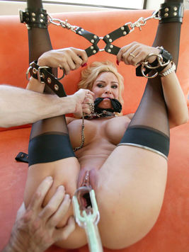 Juicy milf blonde Diamond Foxxx with huge boobs and pierced pussy gets tied and punished