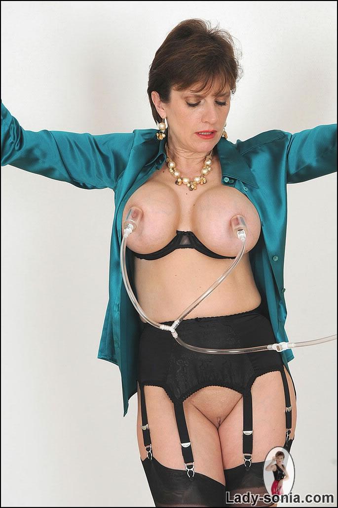 Lady sonia nipples