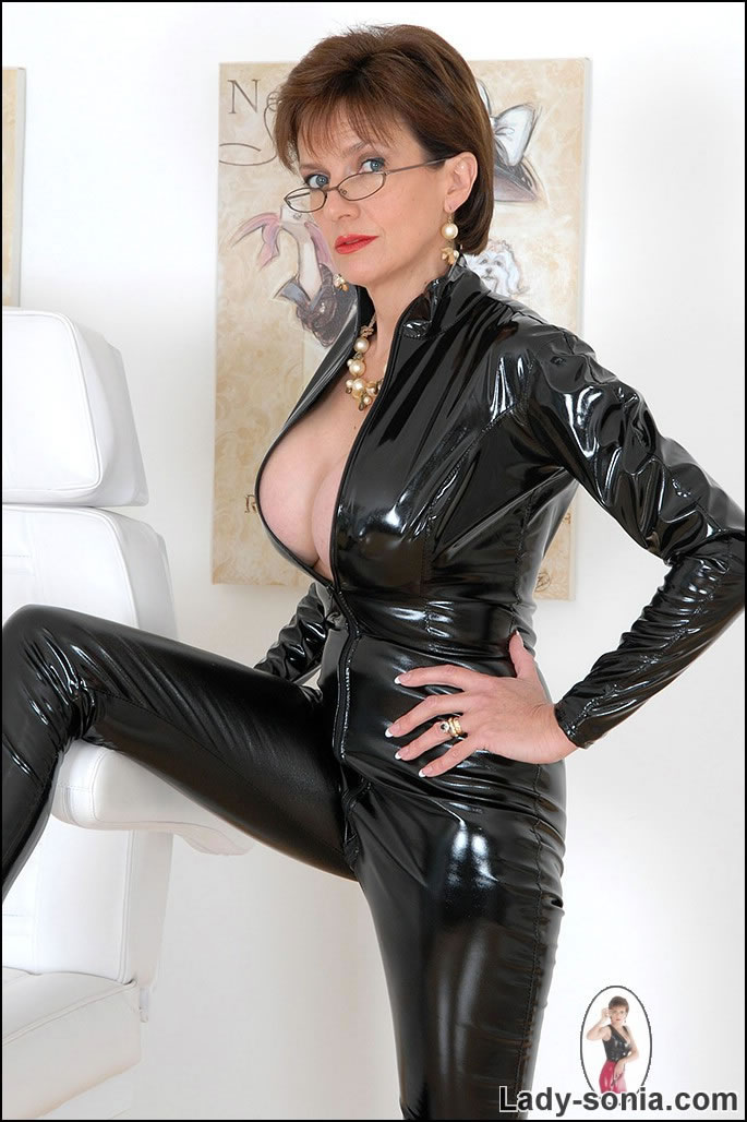 Lady sonia latex