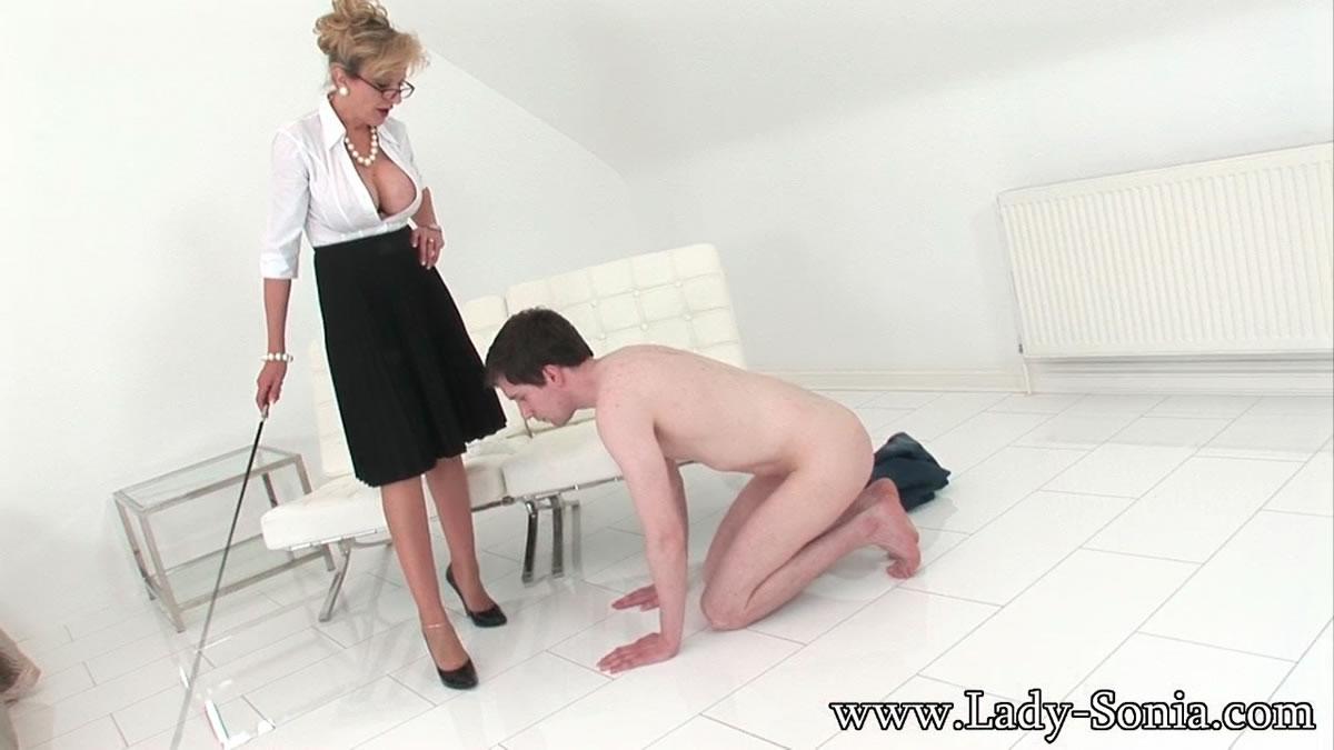 lady sonia cfnm porn clip