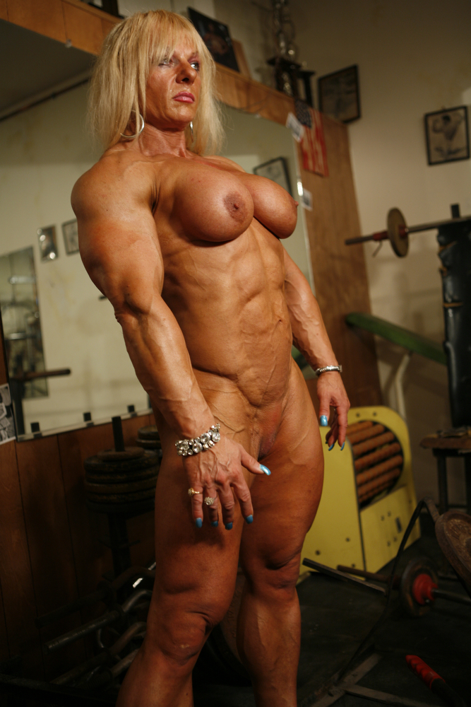 girl dominates Female bodybuilder