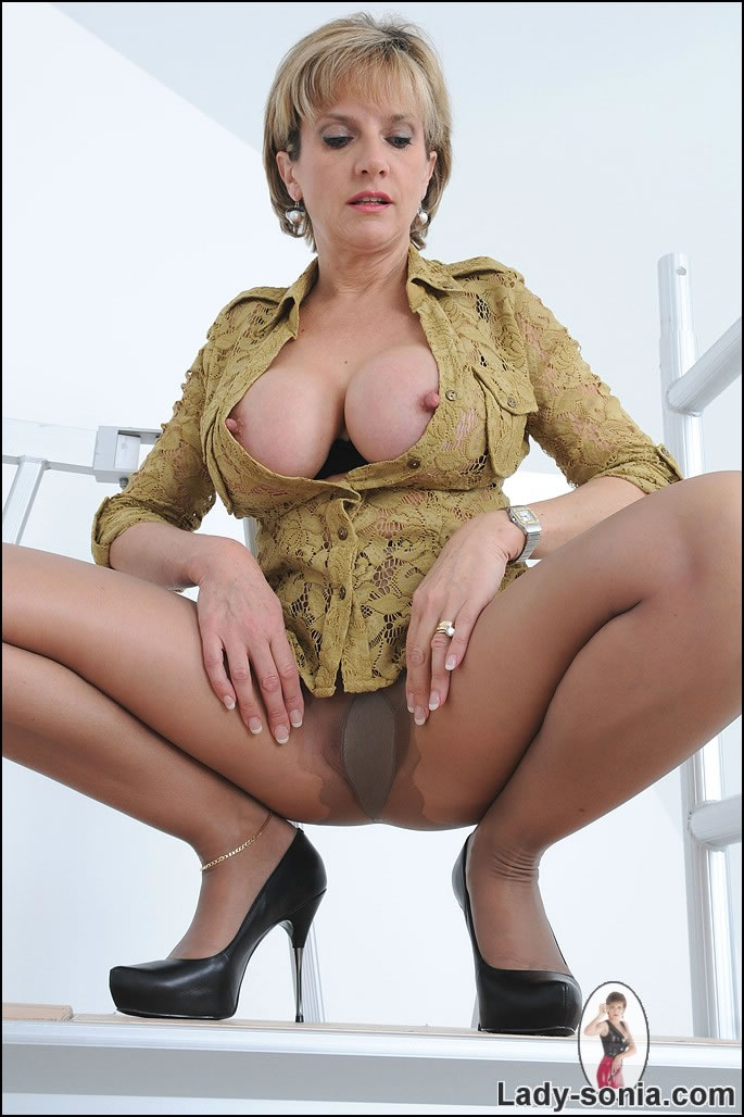 lady sonia pantyhose video clips