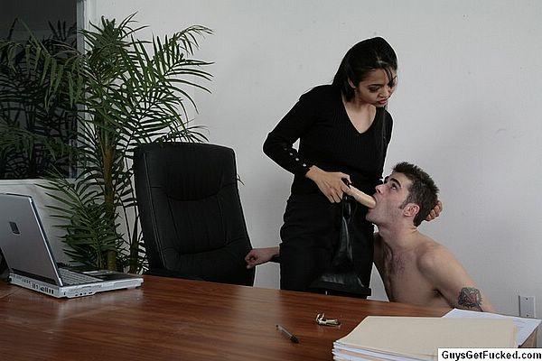Lizard took asian lady boss what