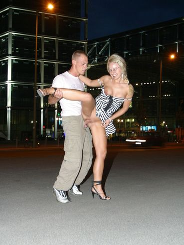 High heeled blonde Isabelle gets her shaved pussy fucked in the night streets of Berlin