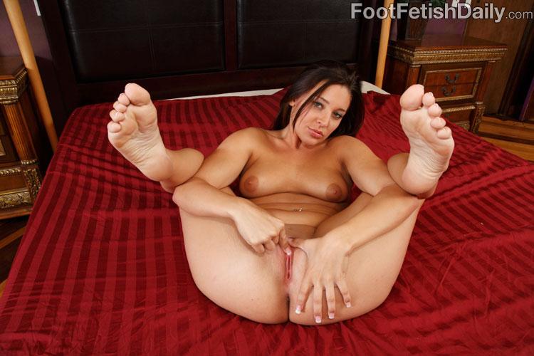 Glam sexy feet gracie